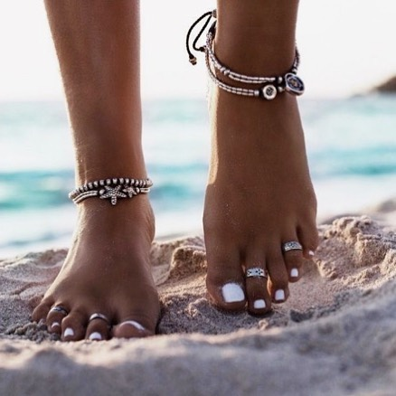 If you are getting a manicure/pedicure make sure to get it before your spray tan. The nail stylist might rub off some of your tan on your hands and feet and you won't be able to enjoy the nice massage that comes along with it 😜