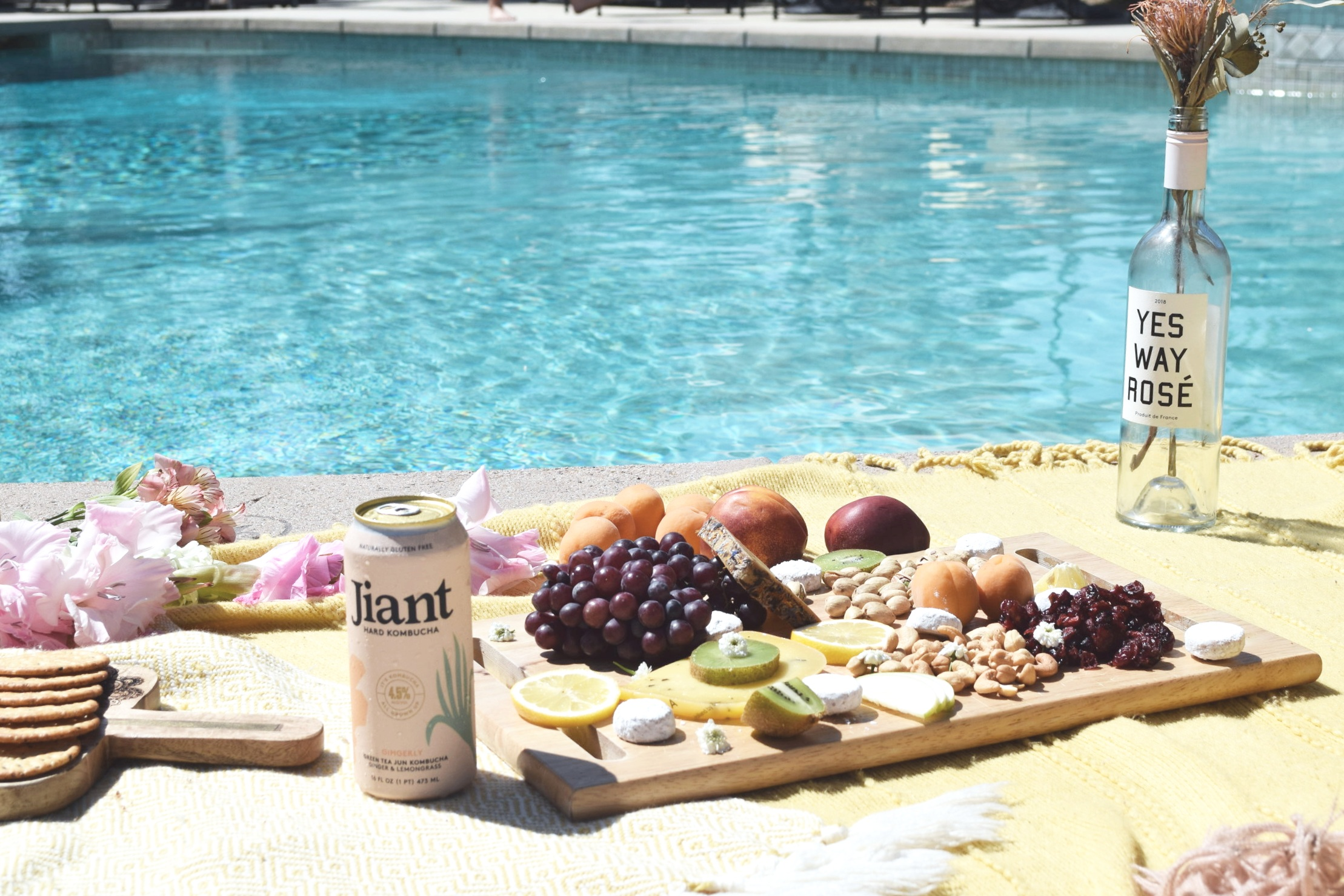 Jiant Booch is the perfect drink to bring to those summer picnics/parties! It's light, deliciously flavored, and contains probiotics… YES PLEASE.