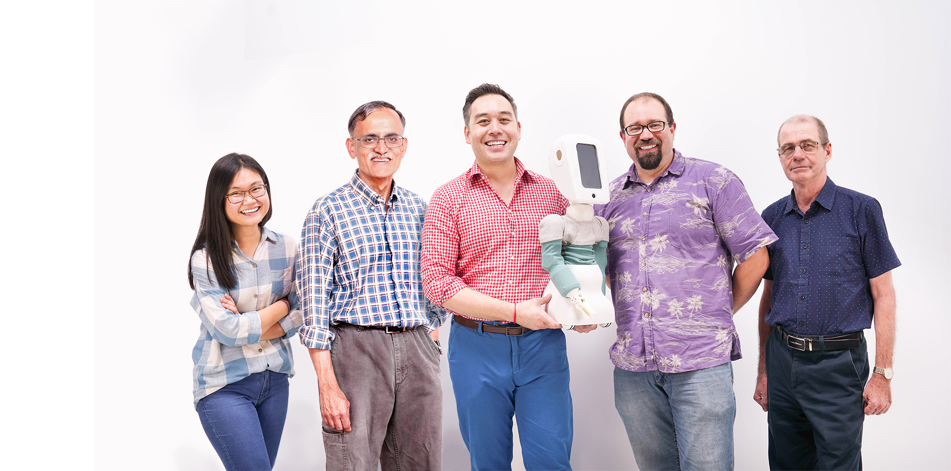 The dream team - Cushybots is a technology startup which was founded by a mechanical engineer, university robotics professor and award winning product designer. This team brings massive technical experience in all aspects of the product engineering and manufacturing process, all grounded in the very personal experiences of distance parenting.