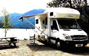 Navion Motorhome 23 ft (6,9 m) - Slide-out for more space insideFor 2 to 4 people, lots of outside storage space! Diesel!