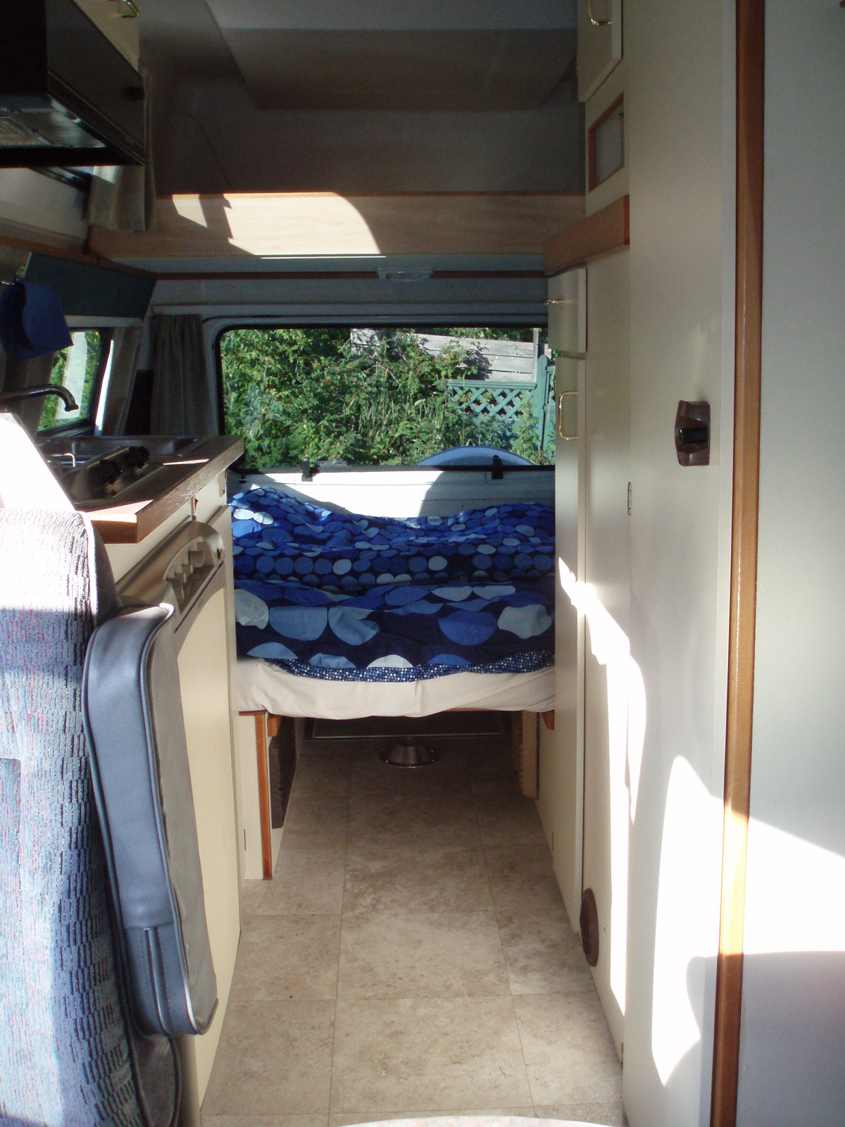 Royal Quattro 20ft rear double bed.JPG