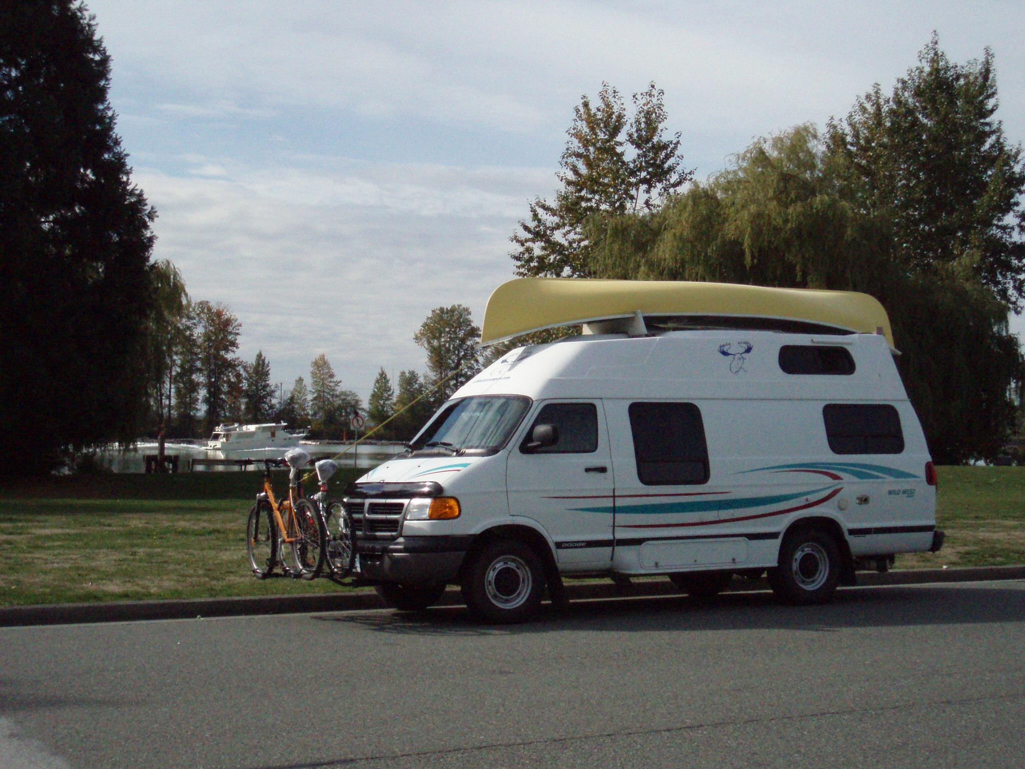 Royal Quattro Van 20ft.JPG