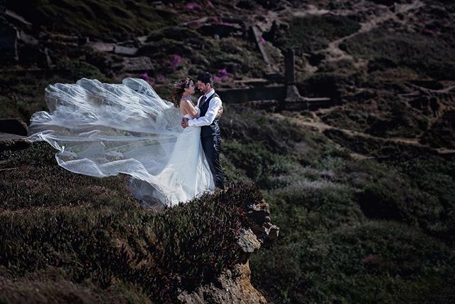 Happy New Year!!!! May your love life be #epic! . . . #weddingdress #wedding #sacbride #sacramentoweddingphotographer #destinationwedding #elopement #elopementphotographer #sanfrancisco #sfweddingphotographer #sfwedding #realweddings #mountains #cliffs #marthastewartweddings #huffpostido #nikon #iggers #iggersac #adventureelopement