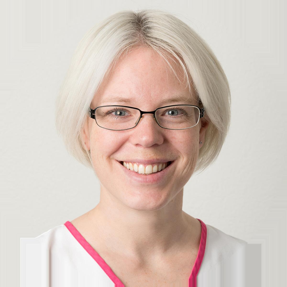 Dr-med-vet-Sabrina-Audergon.png