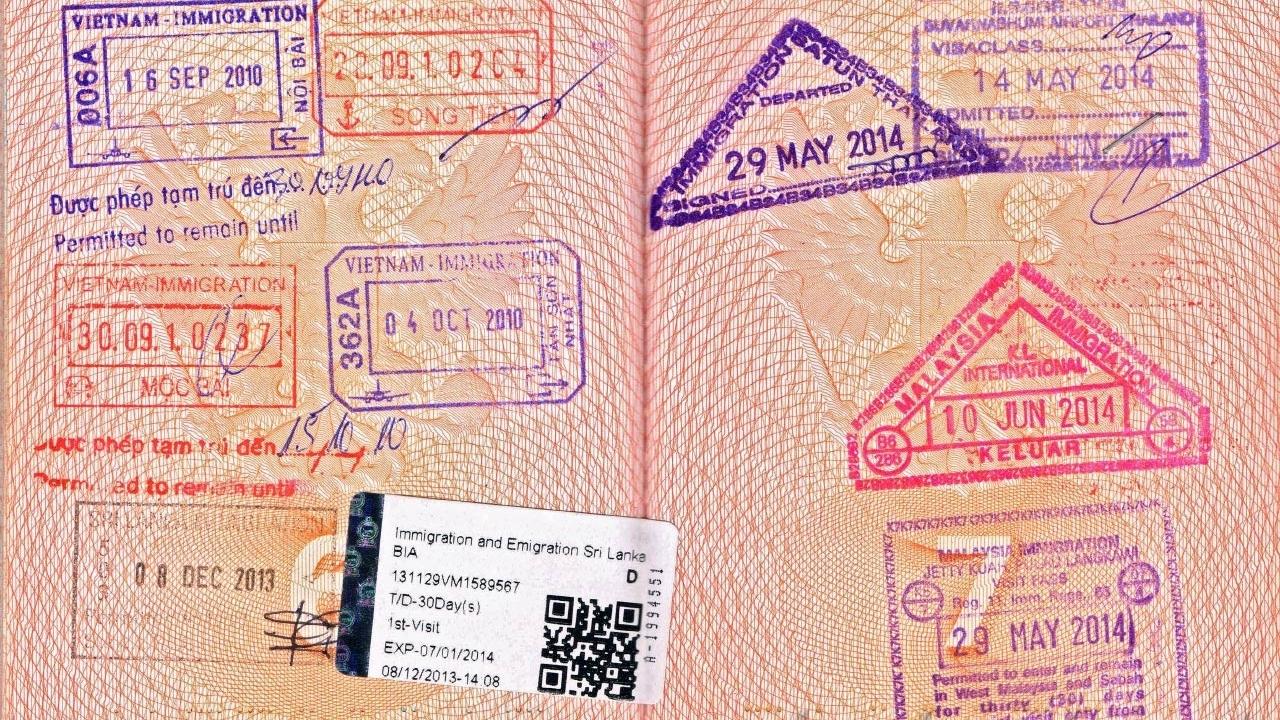 sri-lankan-stamp-on-passport.jpg