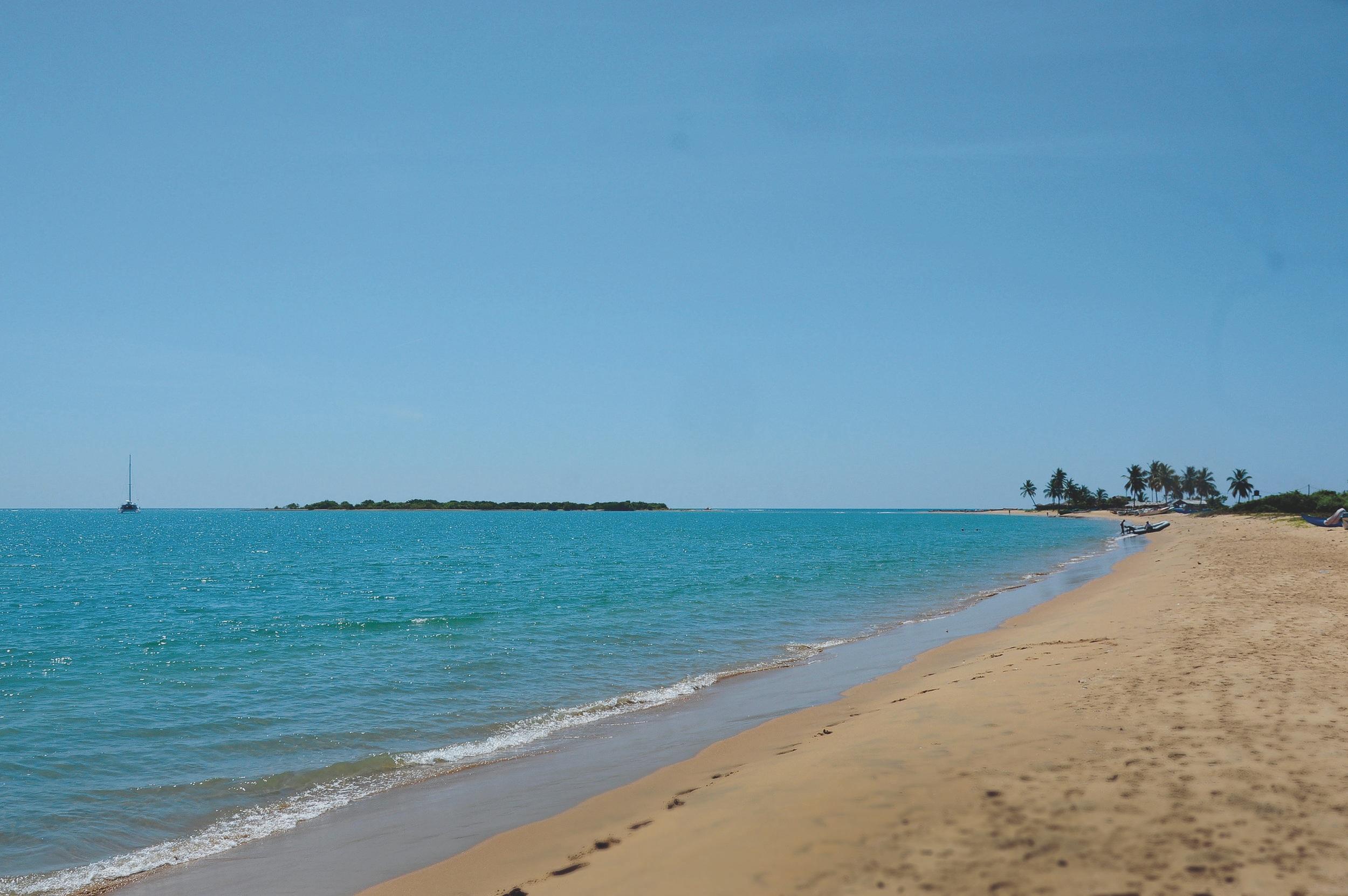 beaches-sri-lanka-sailing.jpg