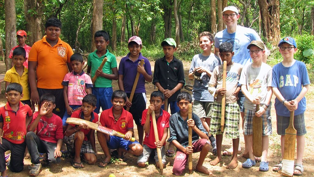 cricket+with+primary+school+kids+_+edit.jpg