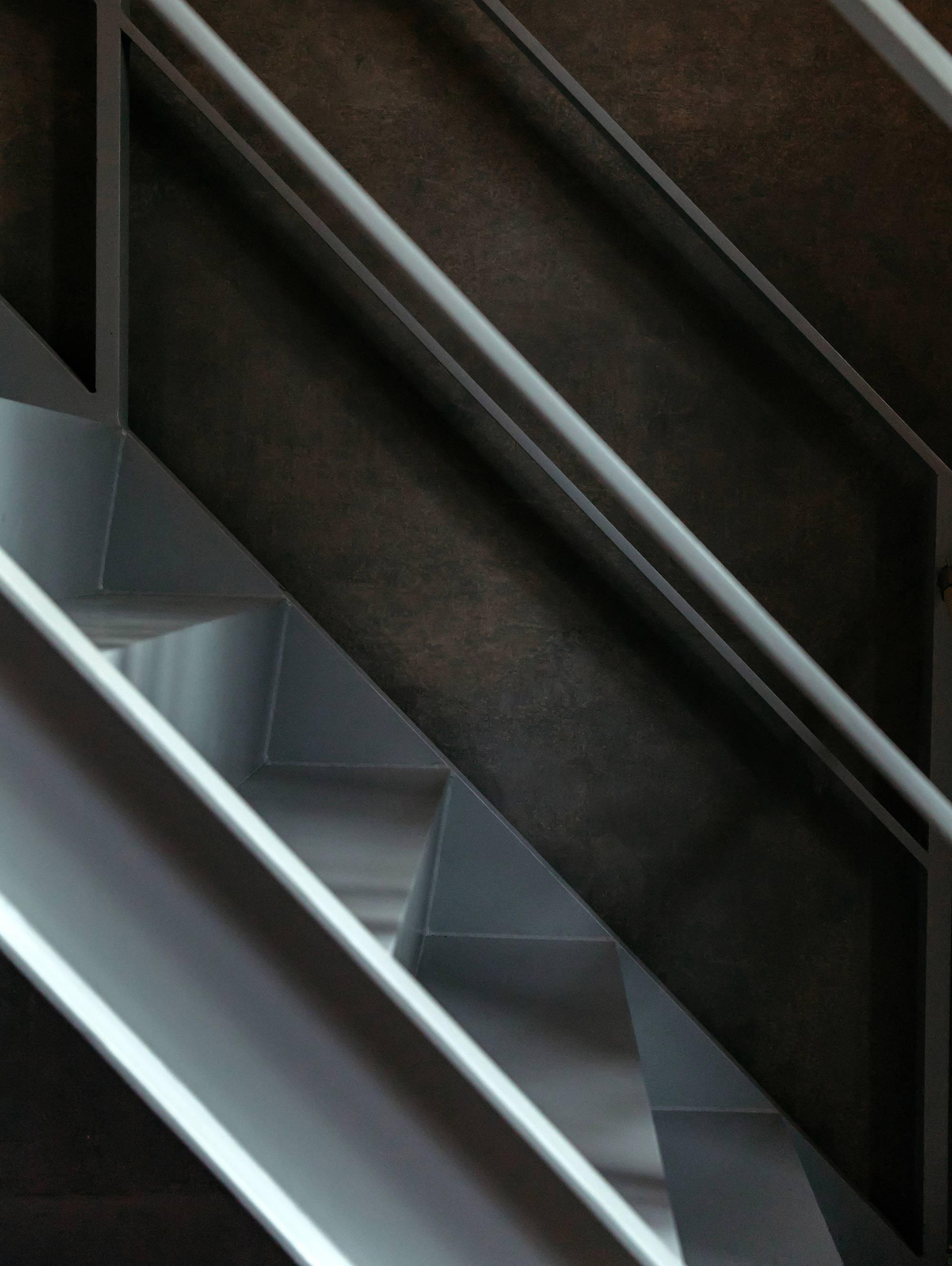 2 grey-metal-stairway-minimal-architecture.jpg
