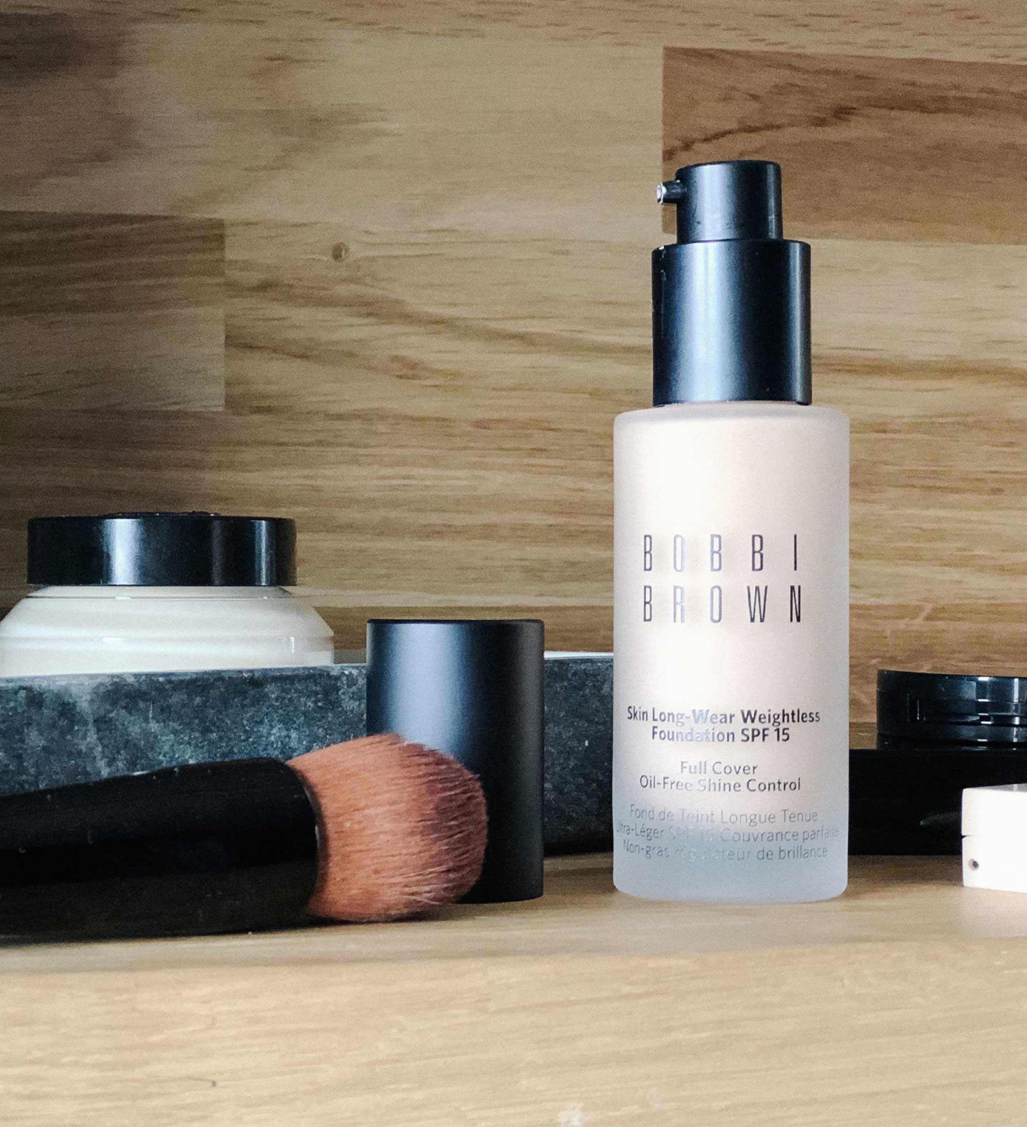 7 Bobbi-Brown Skin Long-wear weightless foundation in Beige.jpg