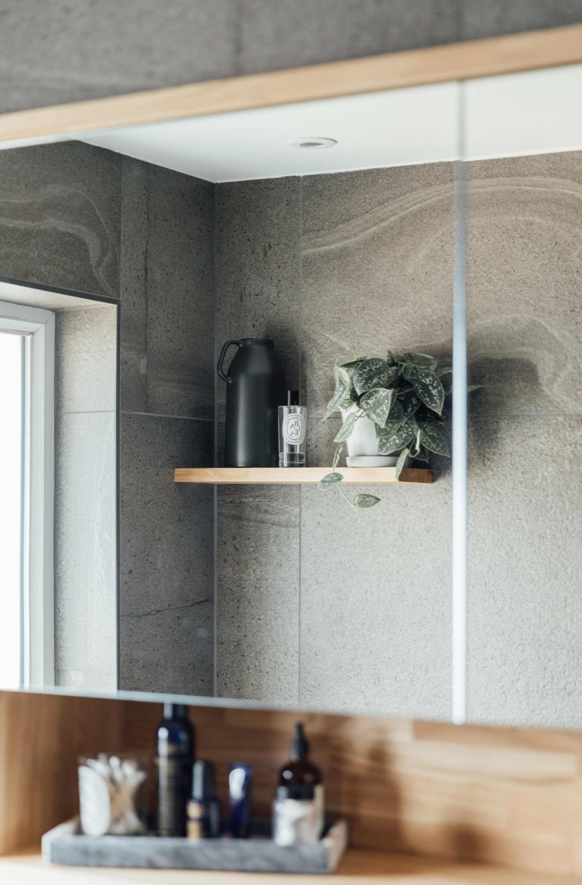 6 oak-mirror-door-bathroom-cabinet.jpg