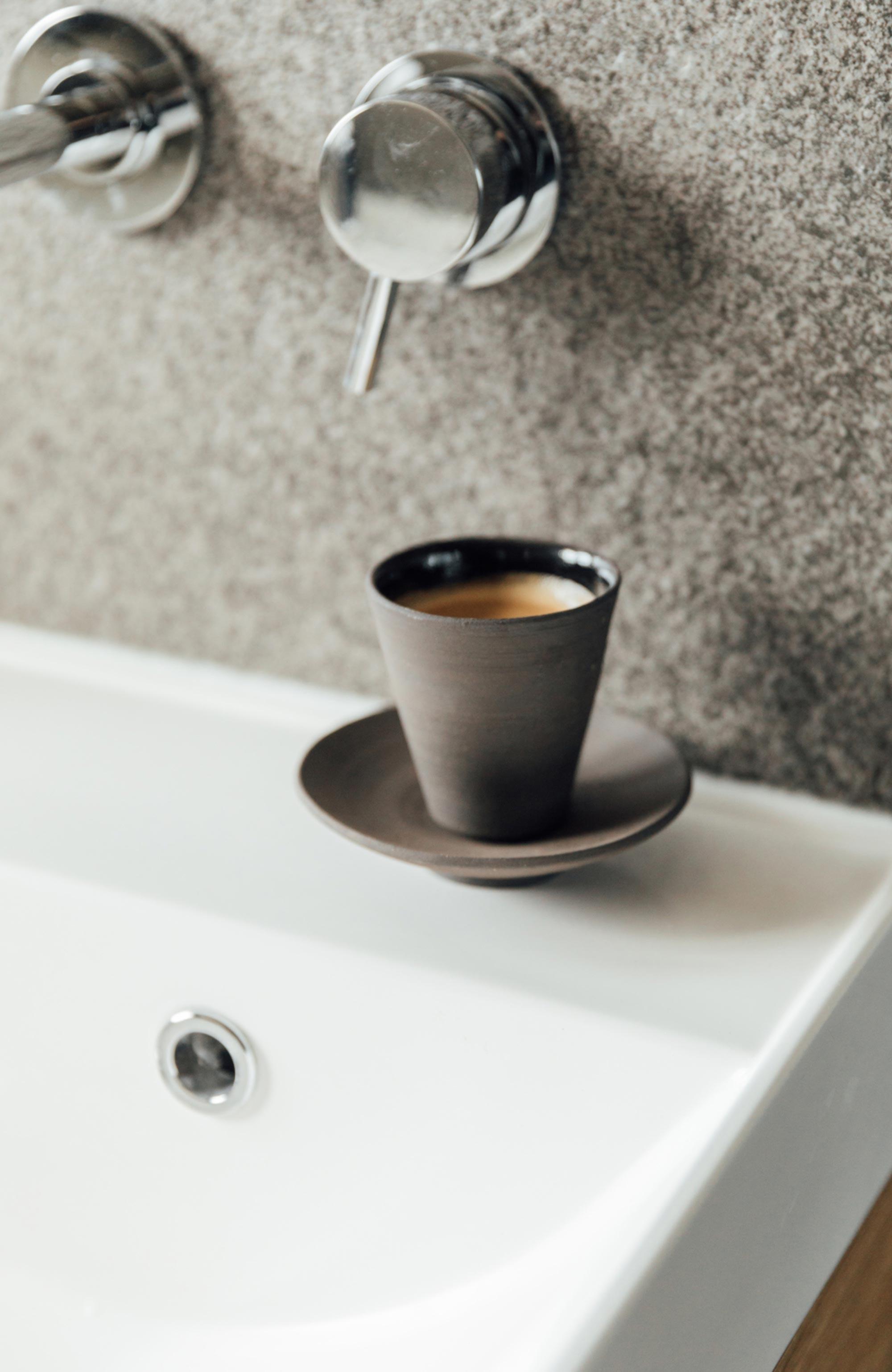 8 morning-coffee-in-the-bathroom.jpg