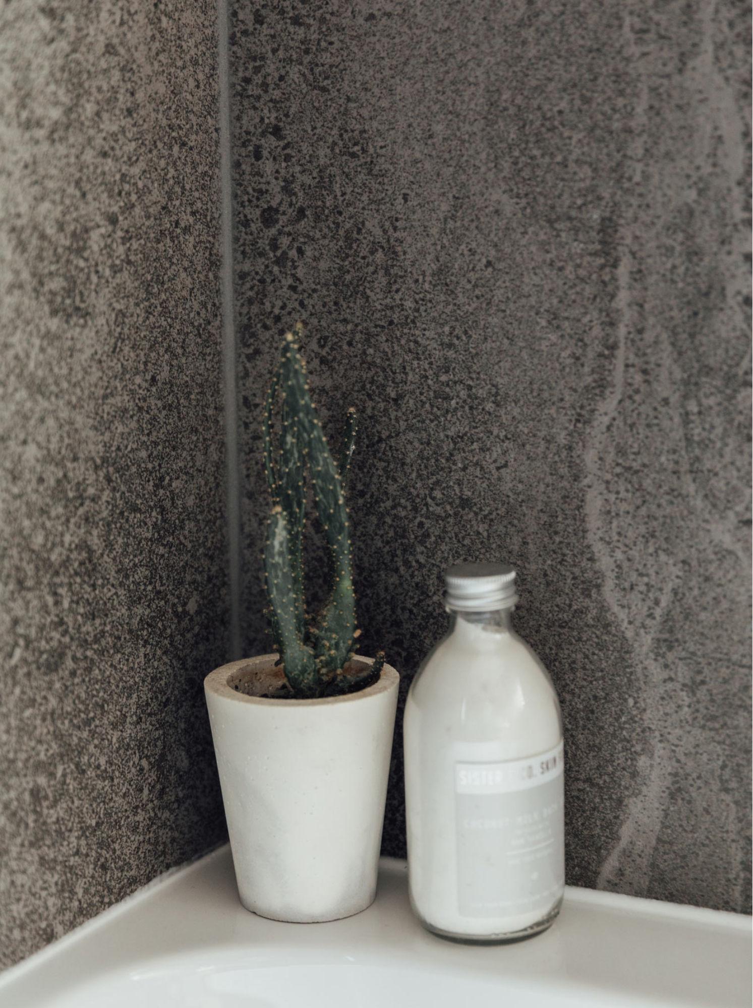 Cropped 11a-dark-bathroom-details-1.jpg