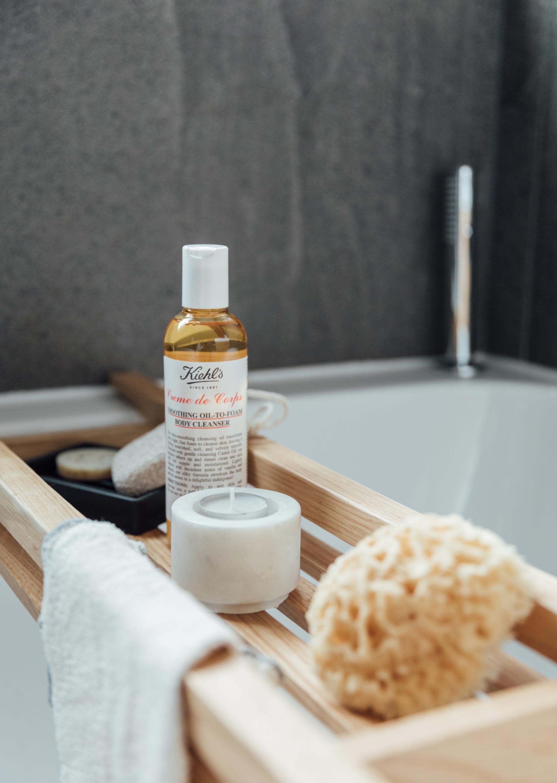 12 the-white-company-oak-bath-tidy.jpg
