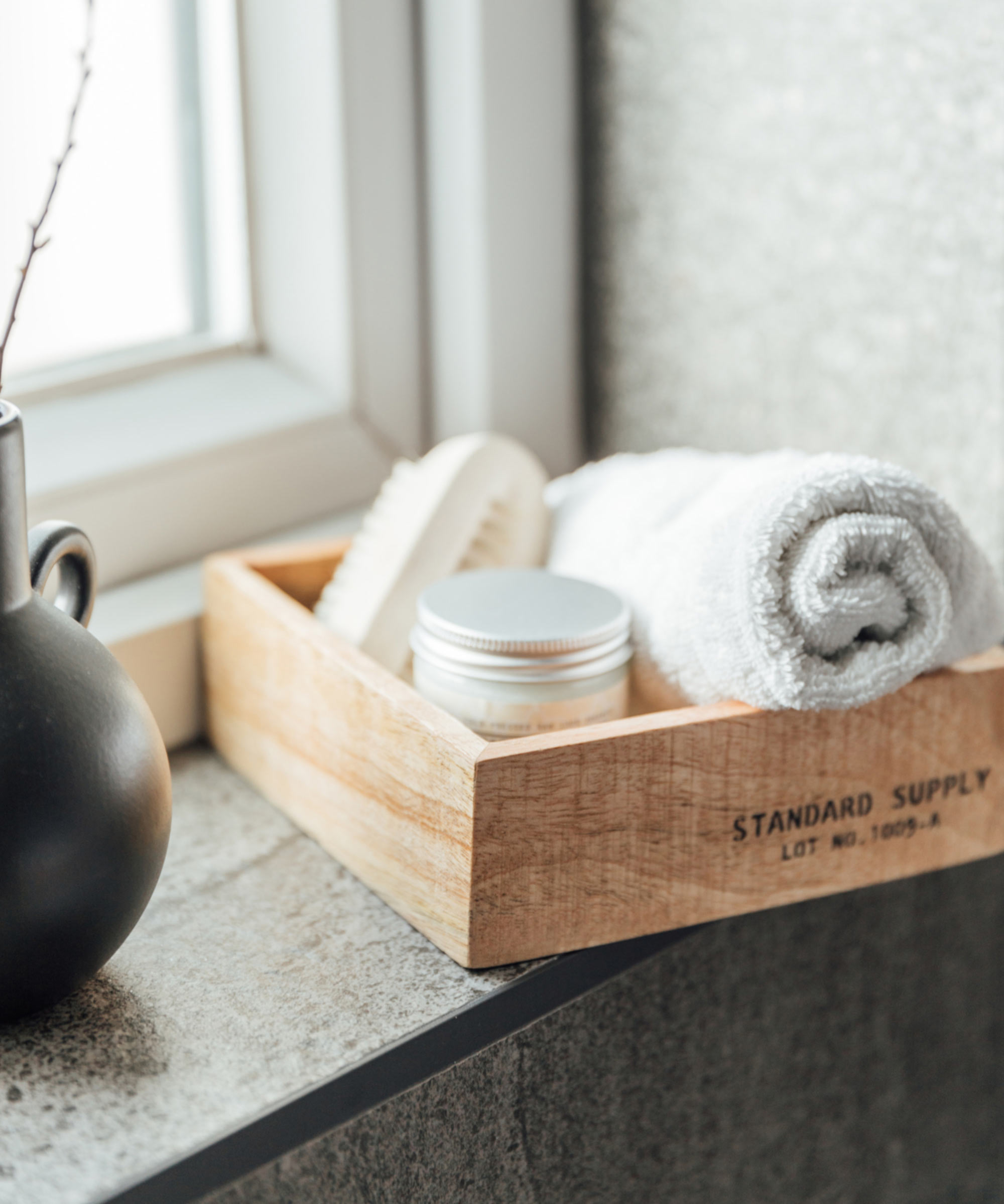 13 wooden-storage-tray-dark-tiled-bathroom-.jpg