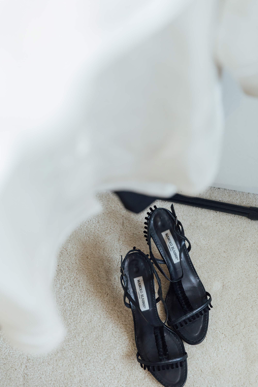 12 manolo-blahnik-black-sandals.jpg