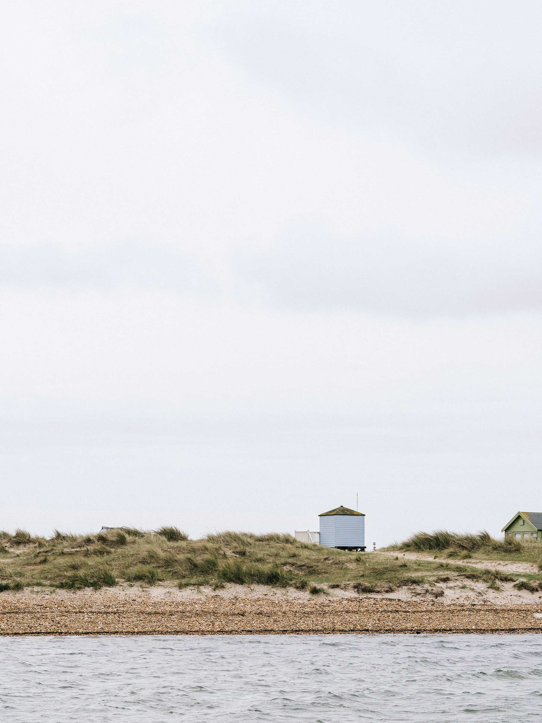 6-beach-hut-in-sand-dunes.jpg