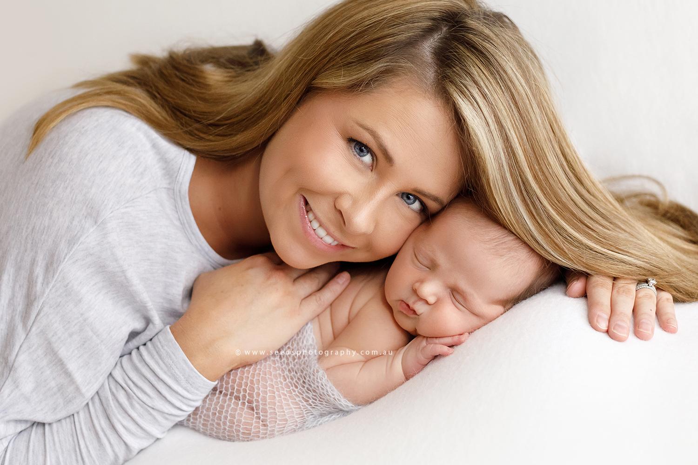 mum+newborn