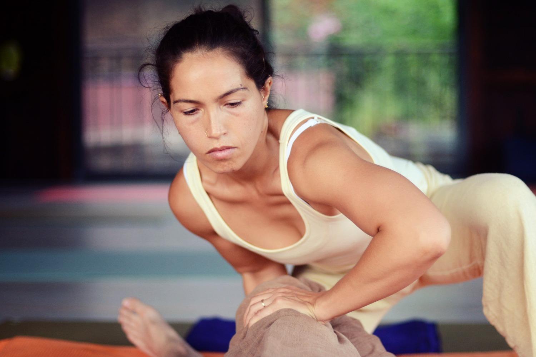 Thai-yoga-massage-retreat-portugal