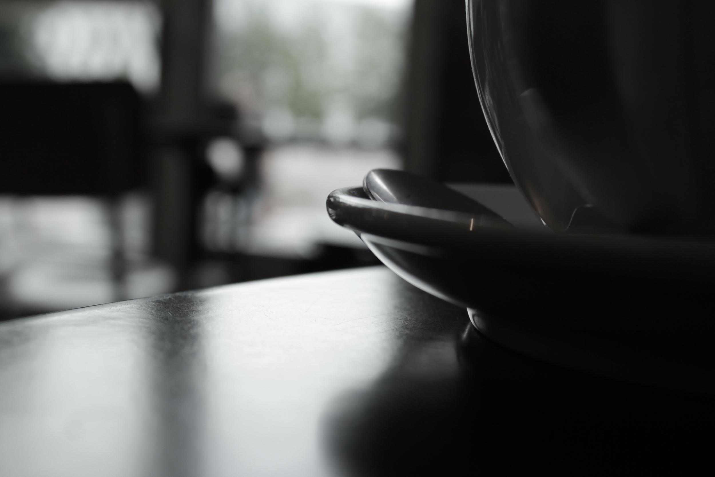 metafiktiivinen kahvikuppini lemmi henrik oranssi kukka kahvikuppi tunne.JPG