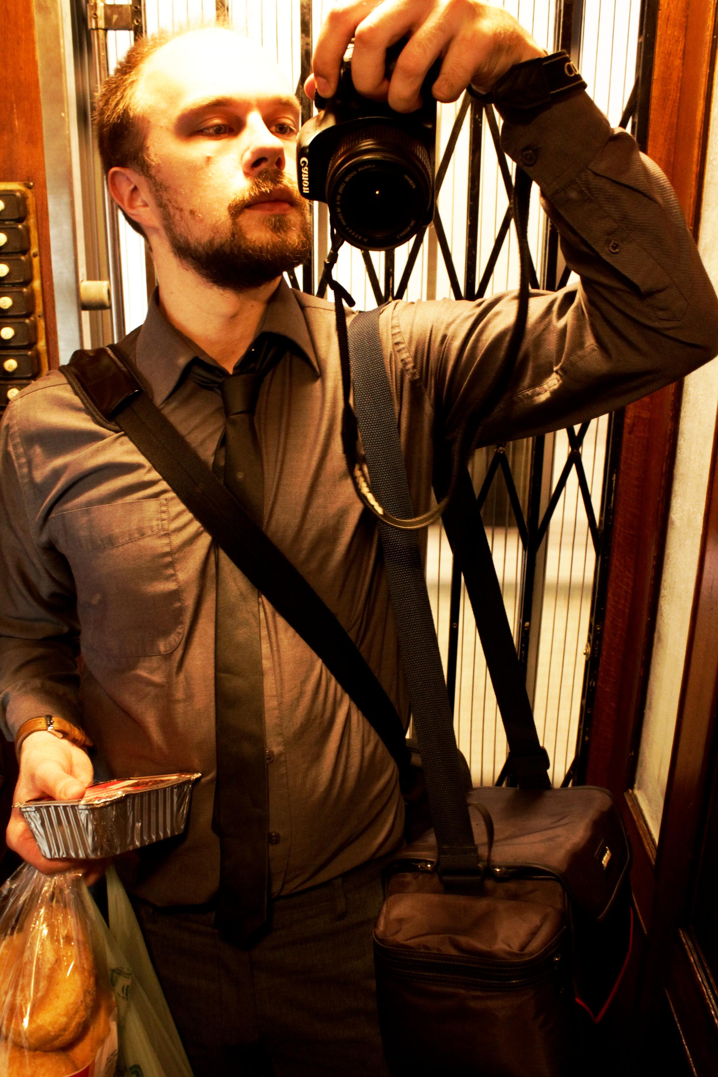 inhimillinen muotiblogi mies ja peili lemmi henrik ihminen.JPG