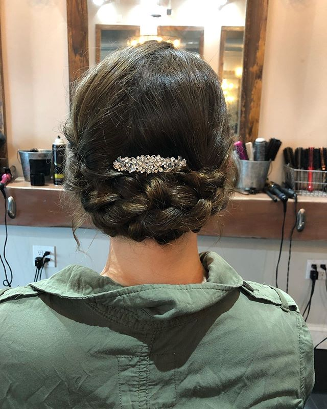 prom updo😍❤️