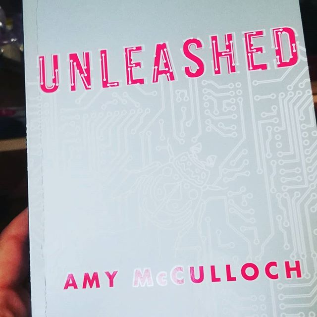 @amymccullochbooks giving me the greatest gift a writer can give! 😭 This book is joyous and thrilling and brilliant. And if you haven't read Jinxed, what have you need doing with your time?!
