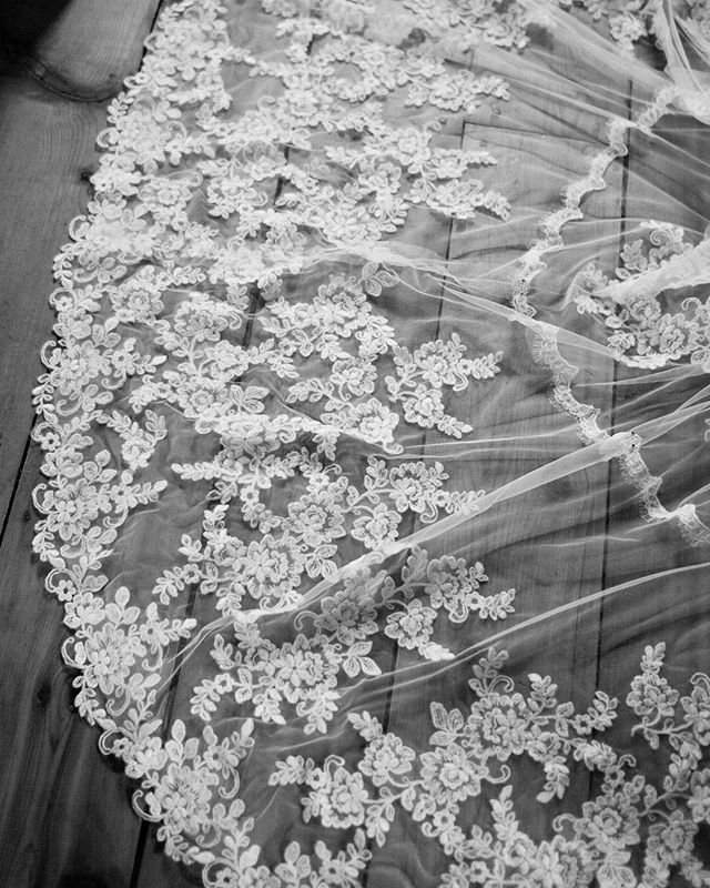 All in the details... #weddingphotography #weddingdress #lace #details