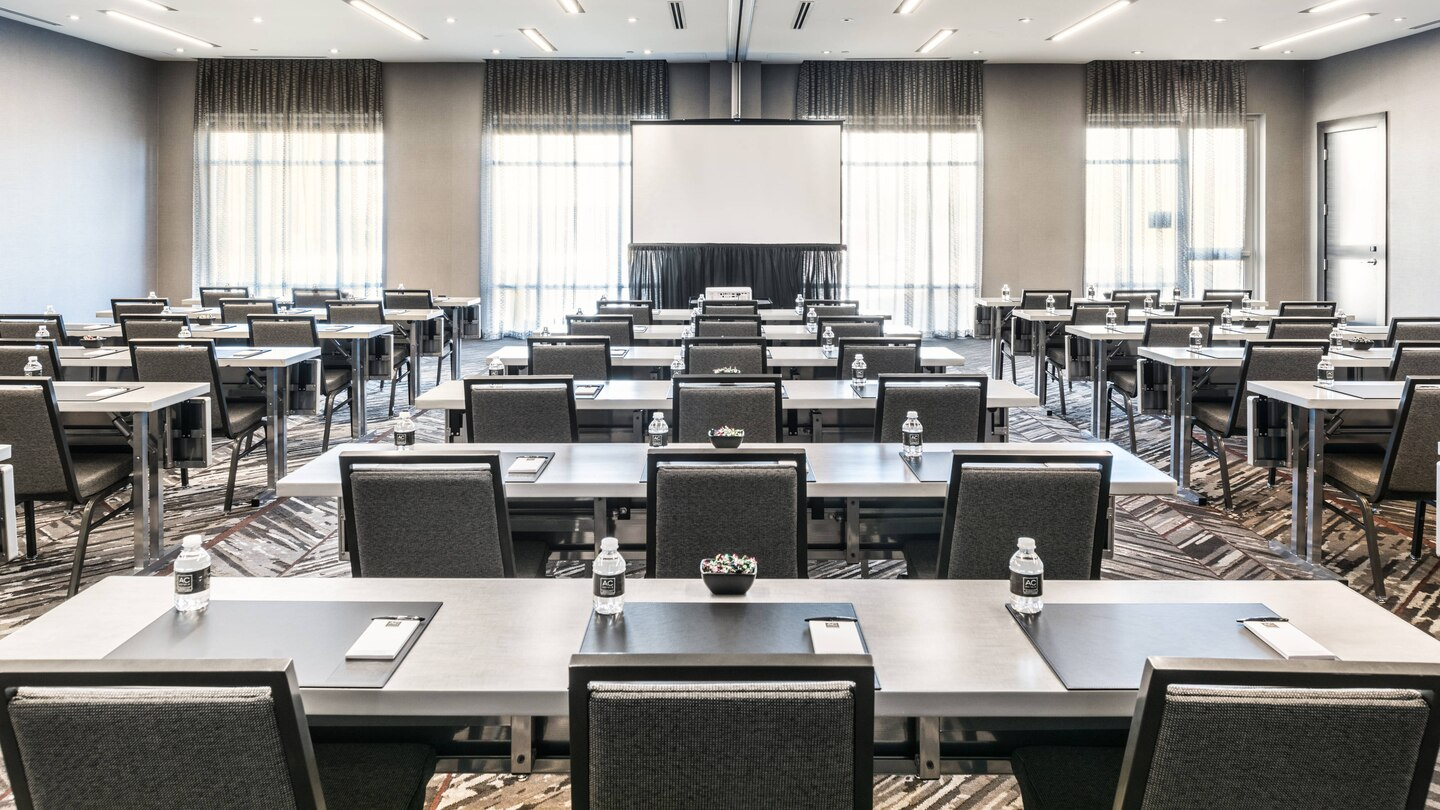 Meetings & Events - - Sophisticated, Inspiring Space with Innovative Technology- Flexible and Creative Floor Plans Accommodating up to 160 People- Redefined Beverage & Food Selections- Complimentary Wi-Fi ThroughoutDownload Meeting Flyer & Capacities