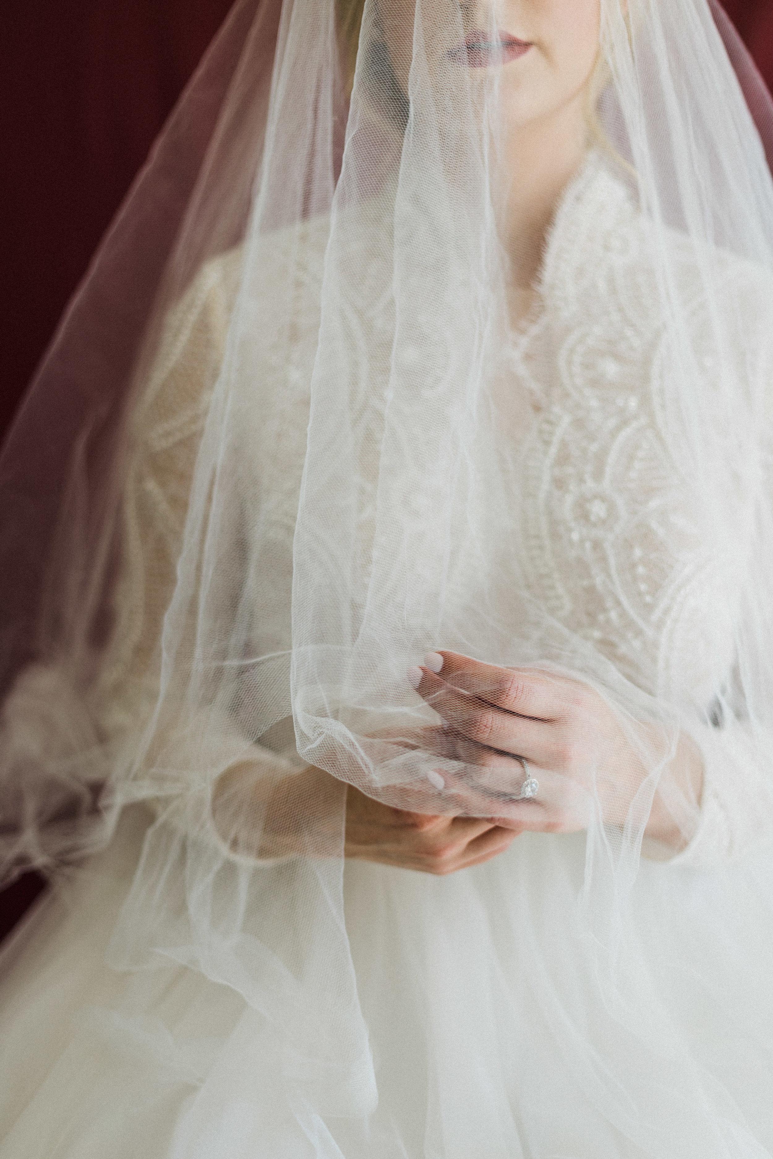 Elizabeth Lee bridal boutique (10 of 42).jpg