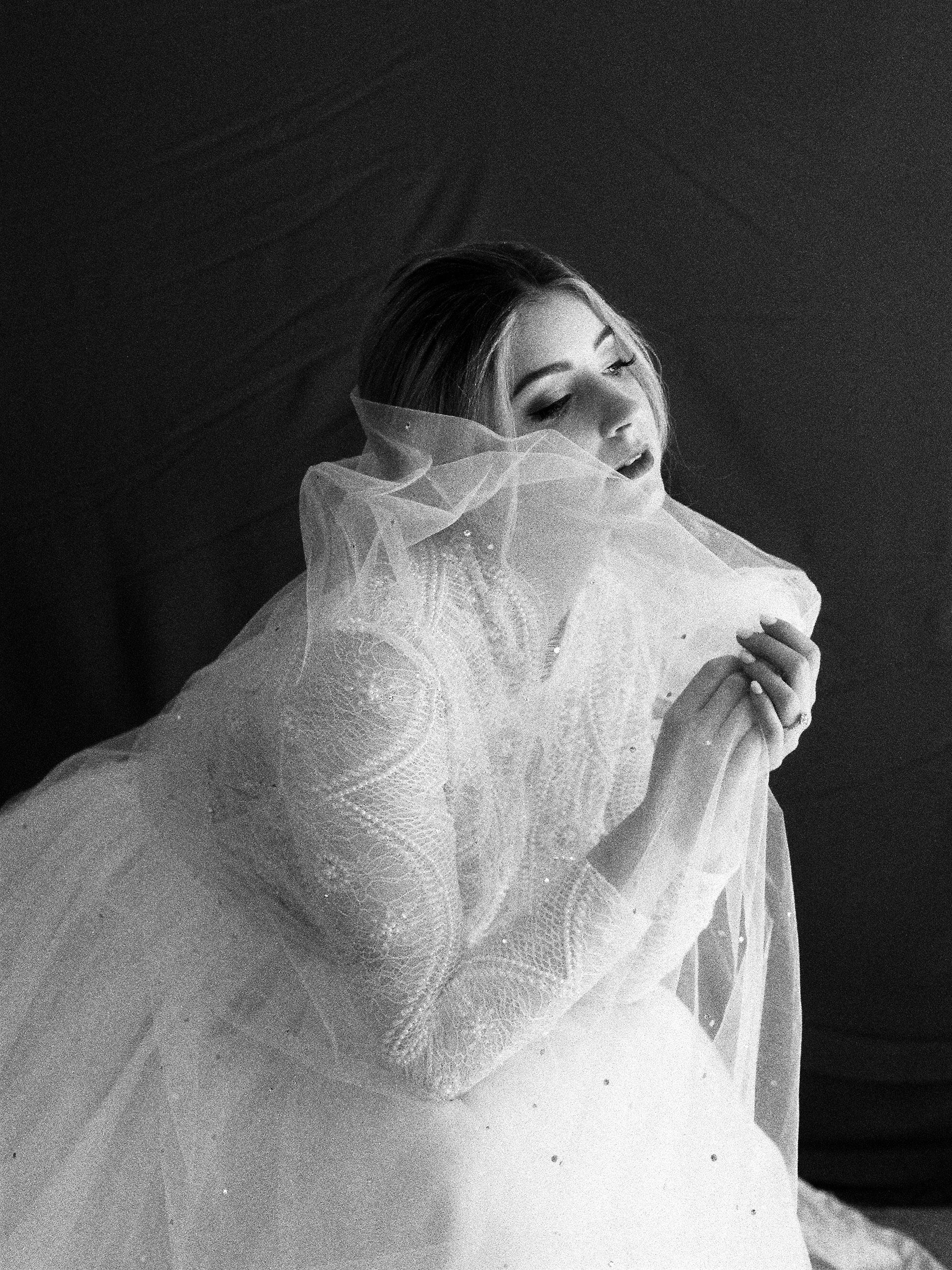 Elizabeth Lee bridal boutique (40 of 42).jpg