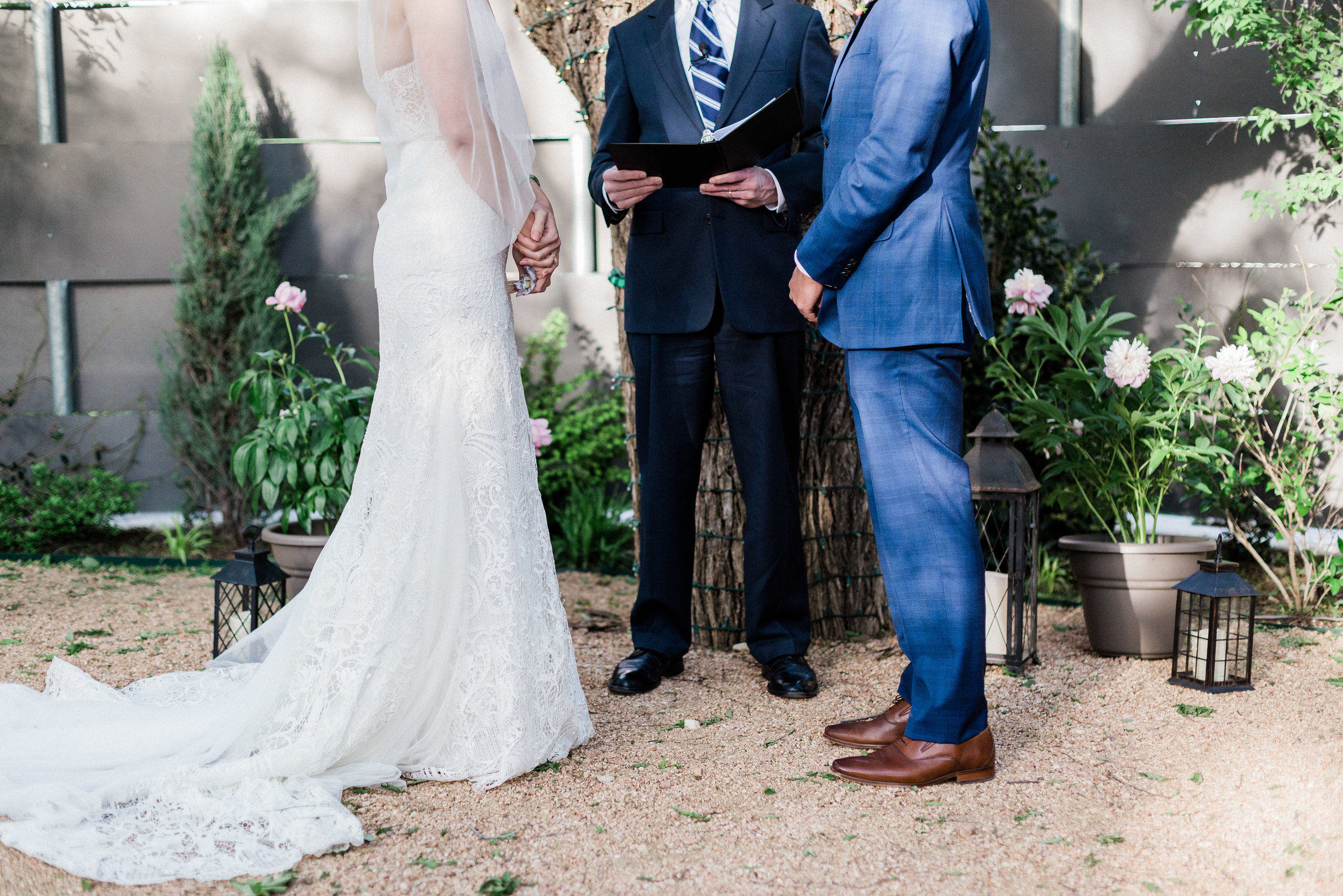 Wedding Ceremony at Outdoor Wedding in Fort Worth Texas at Artspace 111