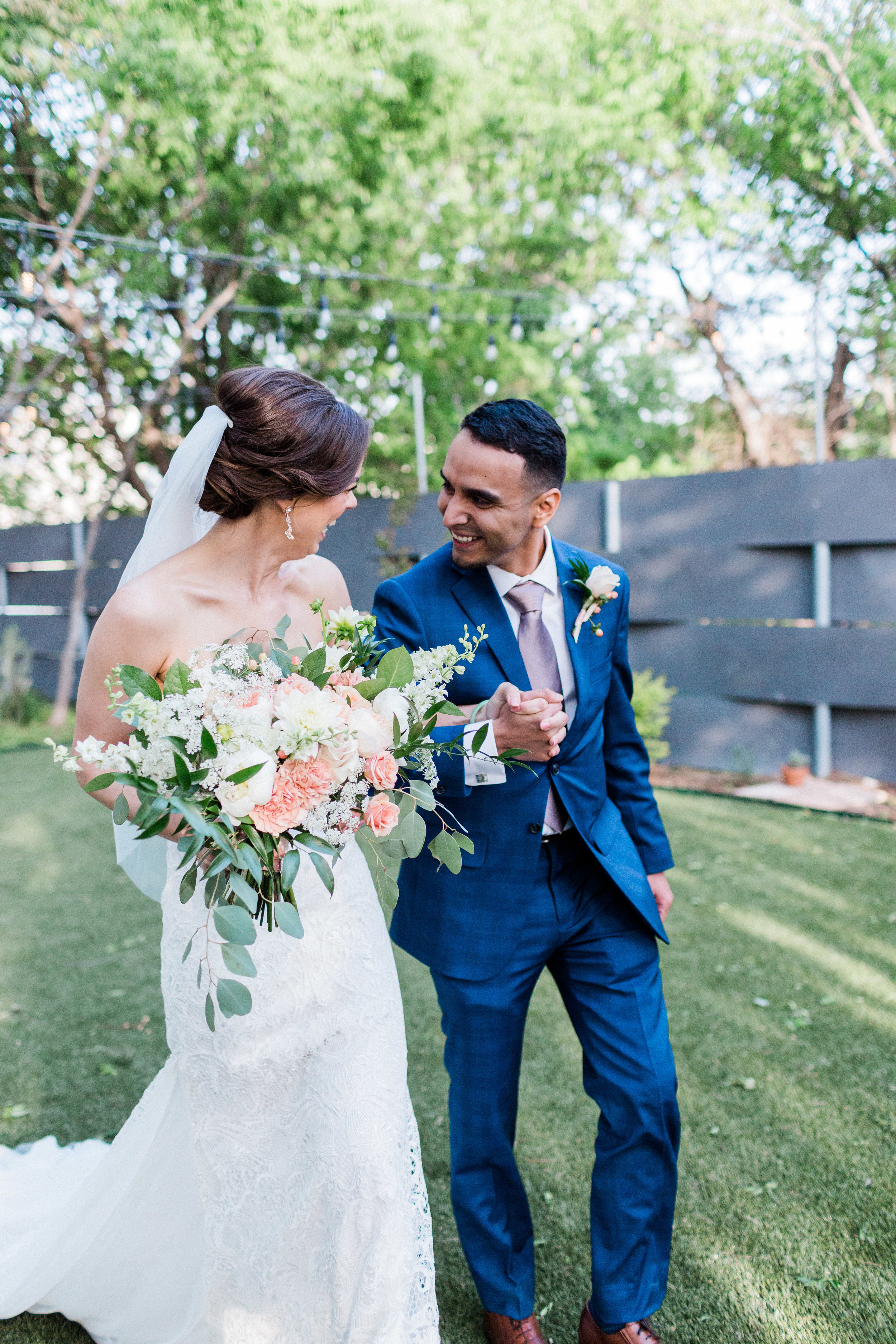 Outdoor Wedding in Fort Worth Texas at Artspace 111