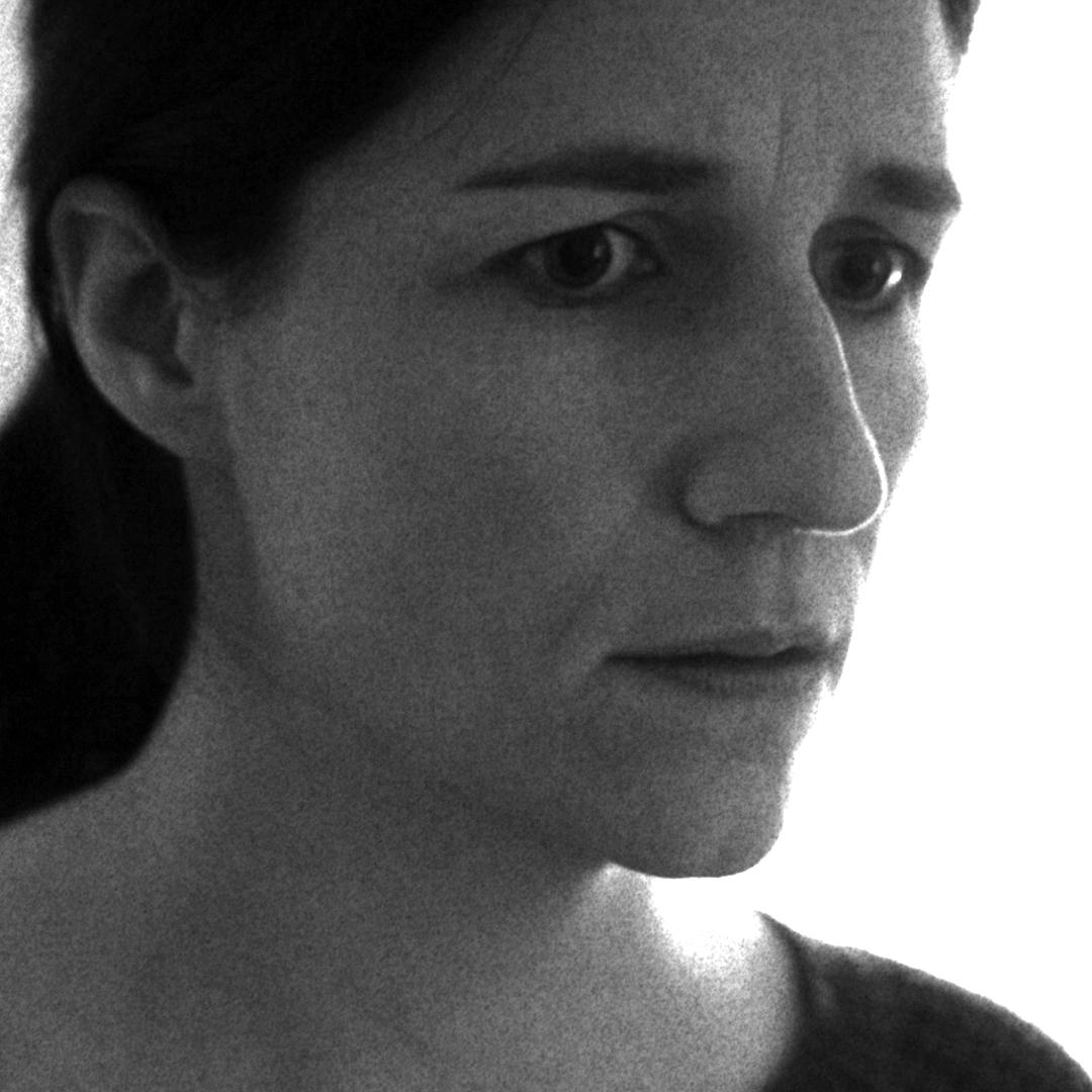 Laurel (Casey Pfeifer)