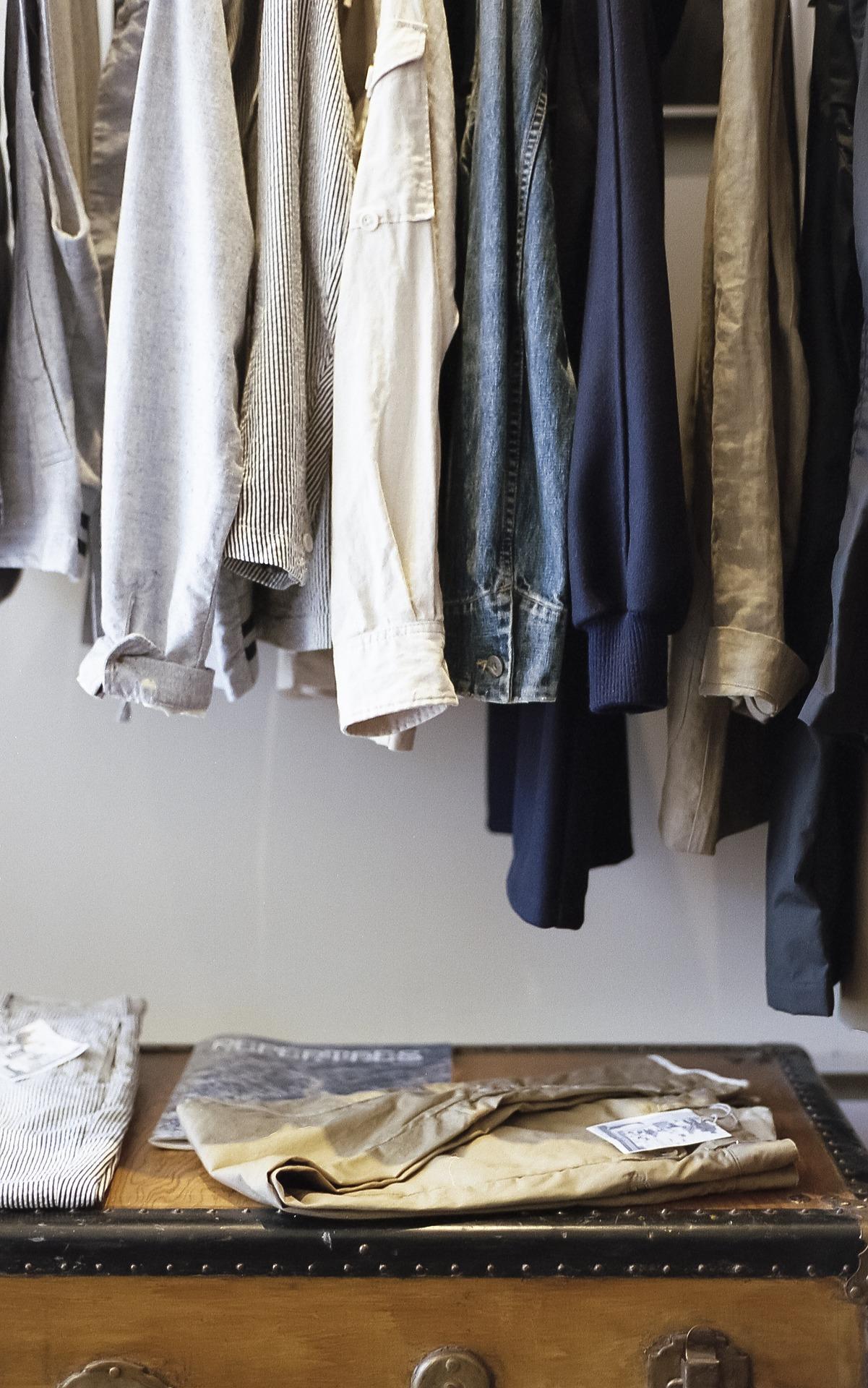 closet-1209917_1920.jpg
