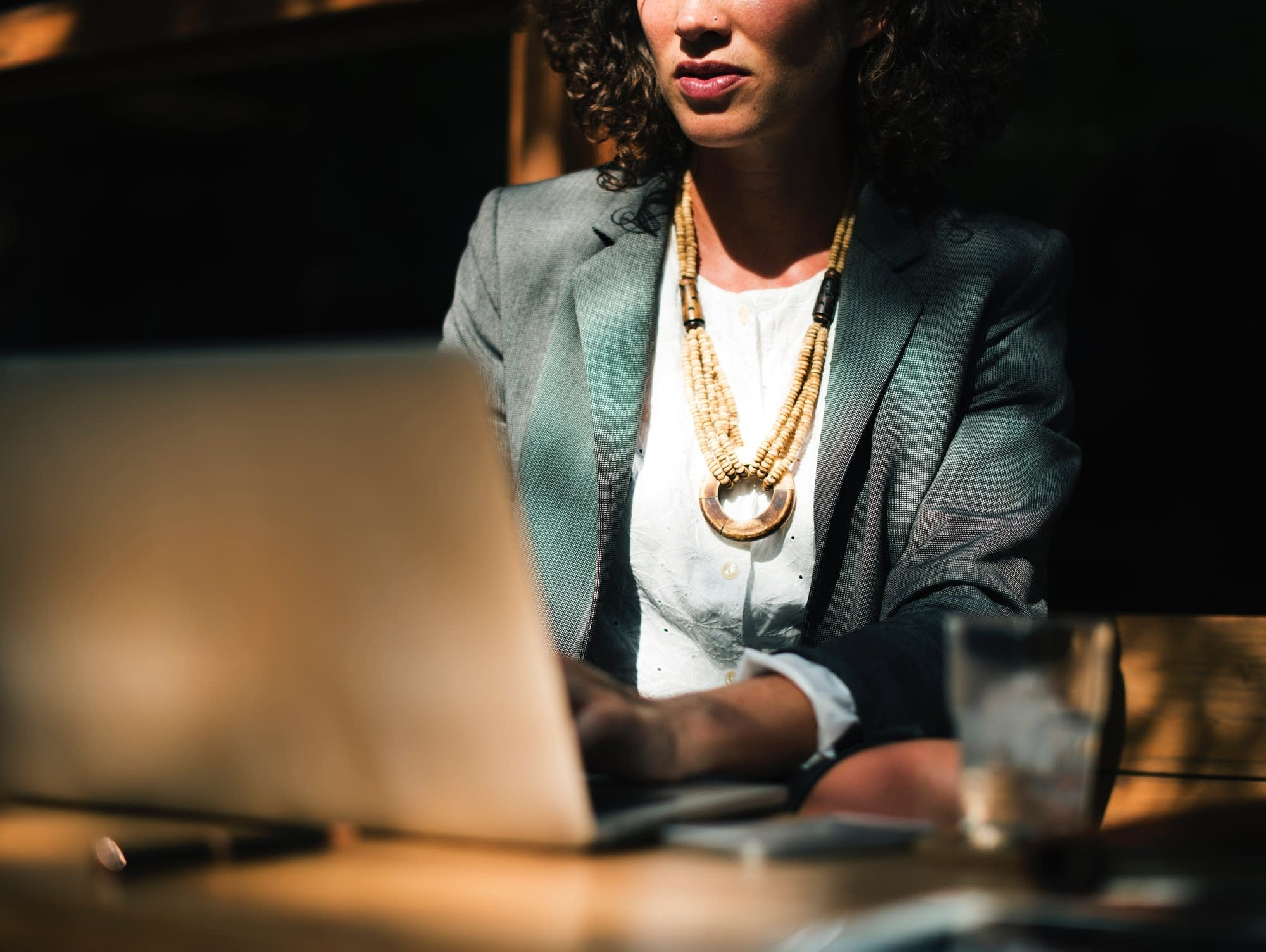 Minnesota's full-time working women saw a nearly $1,500 bump in real earnings in 2016 over 2015. Photo by rawpixel.com on Unsplash