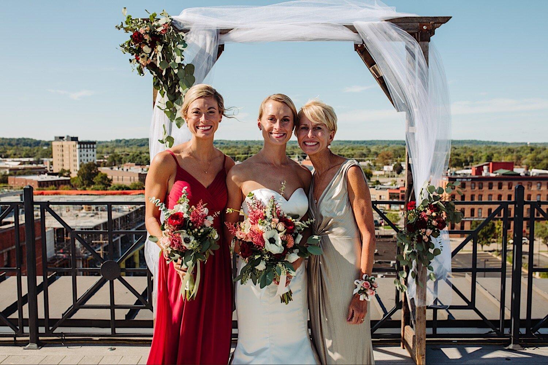 Wedding family poses