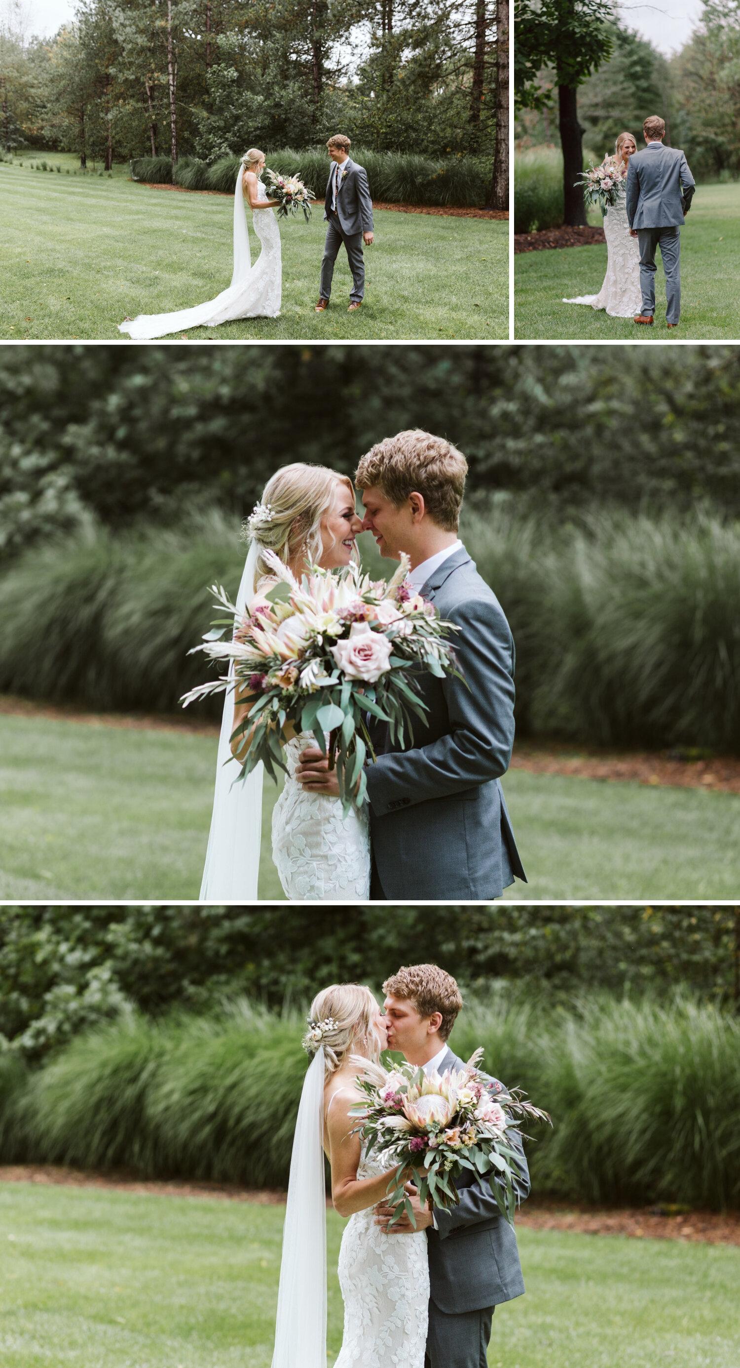 Wedding photographer in Grand Rapids MI
