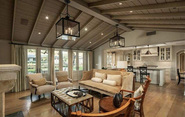 I'm loving this Arcadia home and how it exudes warmth and a welcoming vibe with warm tones and tongue and groove ceilings. Could you picture yourself here ? 👇 . . . .  #scottsdalerealestate #phoenixrealestate #arcadiarealestate #ceilings #azrealtor