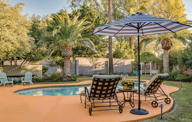 Check out the timeless charm of this Phoenix Historic District outdoor living space. . . . .  #azrealtor #phoenixrealestate #phoenixhistoricdistrict #outdoorlivingspace #patio #poollife