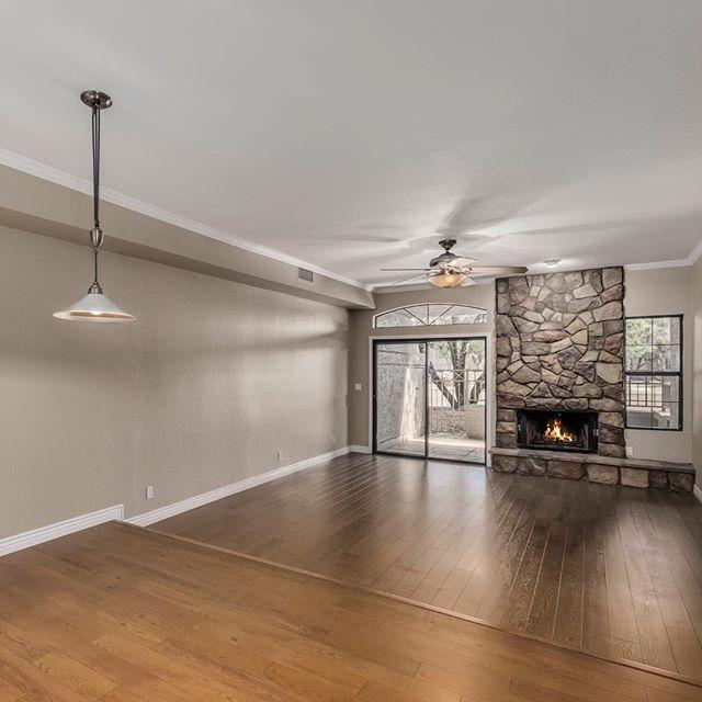 Just Listed! Scottsdale Condo 3 bed 2 bath great room plan with garage, $369,000. . . . #scottsdalerealestate #pscpride #chaparralhighschool #scottsdaleranch #centralphoenix
