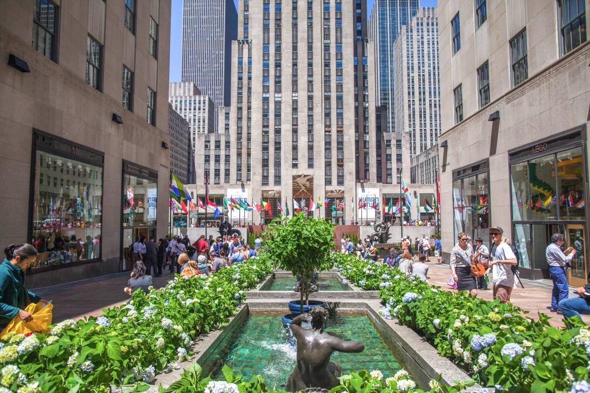 Rockefeller Center, from 5th Avenue