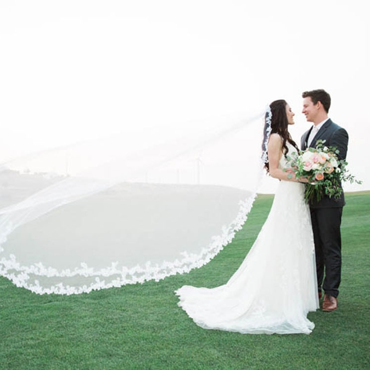 Bride and Groom on the Signature Lawn at Thanksgiving Point Golf Club