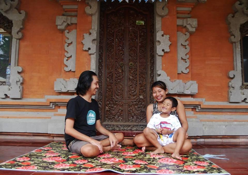Wahyu and family.jpg