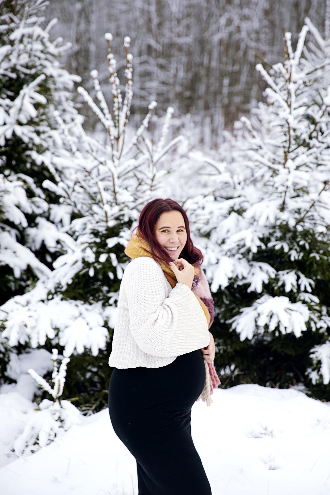 Fotografera din gravidmage med fotograf emy  i Halmstad och Laholm