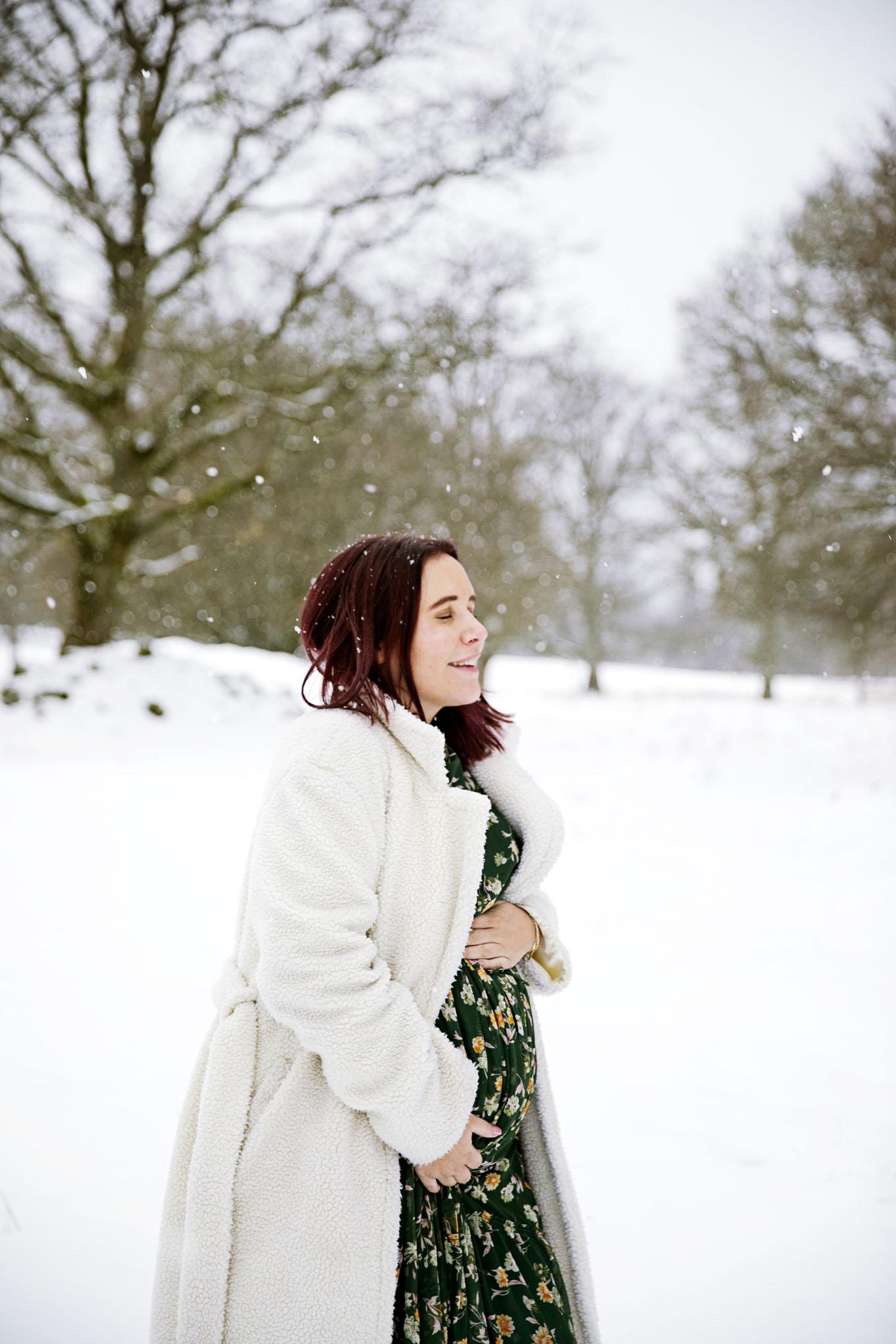 Fotograf emy har specialiserat sig på att fotografera gravida i Halmstad och laholm