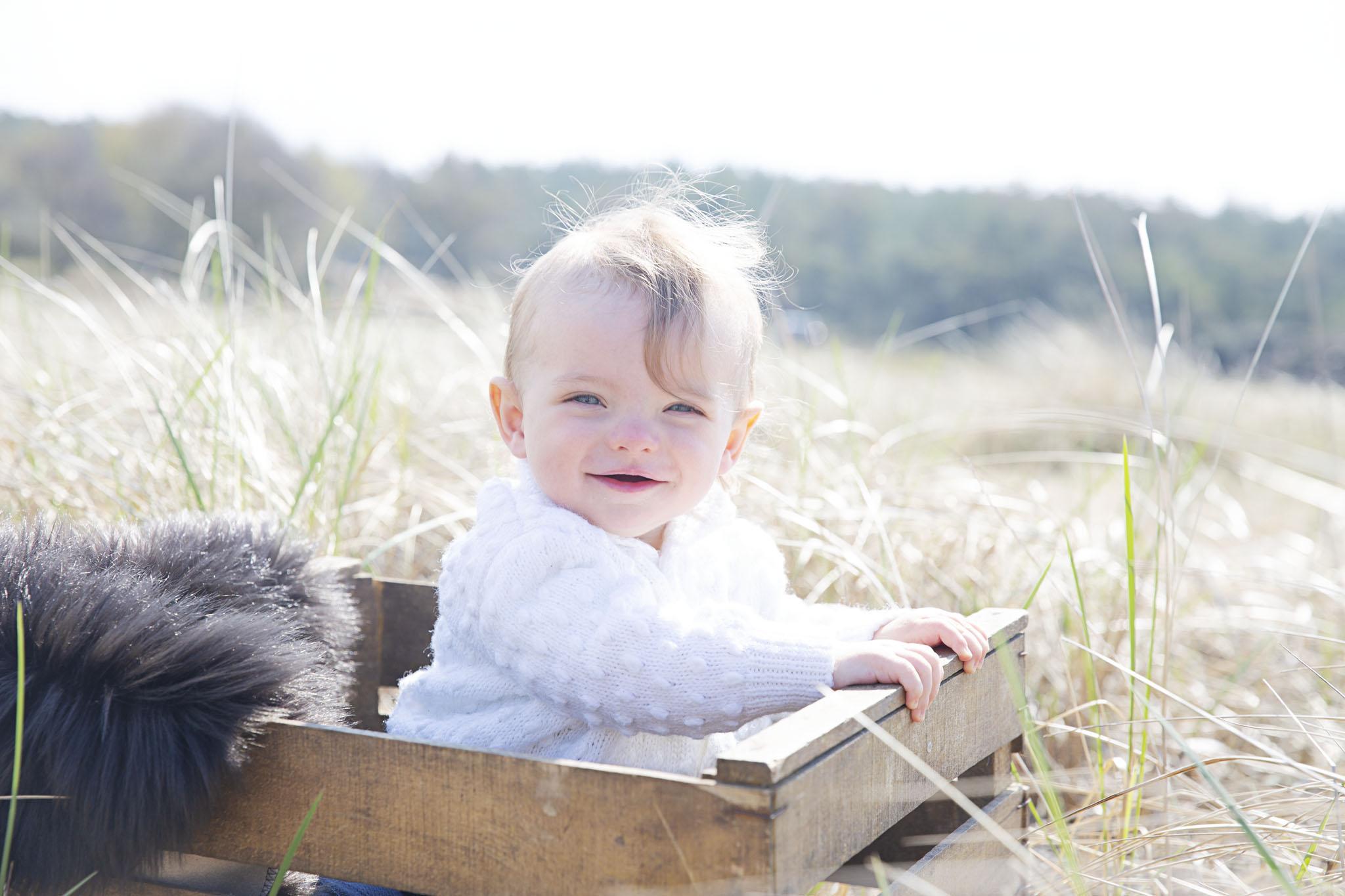 Barnfotografering i halmstad tillsammans med barnfotograf Fotograf Emy i halmstad