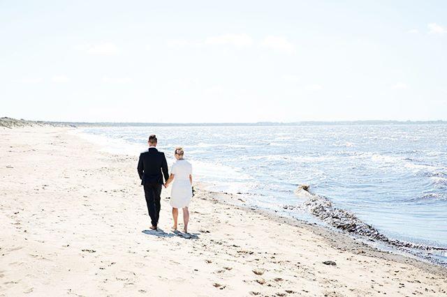 Söker ni bröllopsfotograf? Då kanske jag är rätt person för jobbet! Det finns ett par datum kvar för 2020!  Ser fram emot att få träffa er!  #bröllopsfotograf #bröllopsfotografering #fotografemy #bröllopvidhavet #familjebröllop #Brölloppålandet #ängelholm