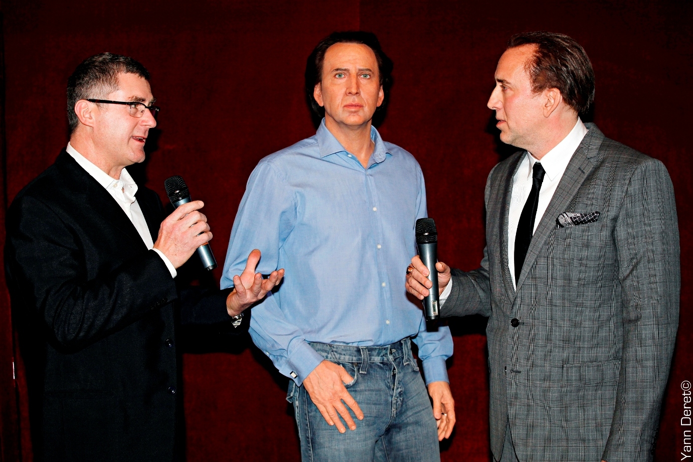 Nicolas Cage, his sculpture and the sculptor - Inauguration in Musée Grévin - Wax sculpture - Modelling by Eric Saint Chaffray - Crédit Musée Grévin