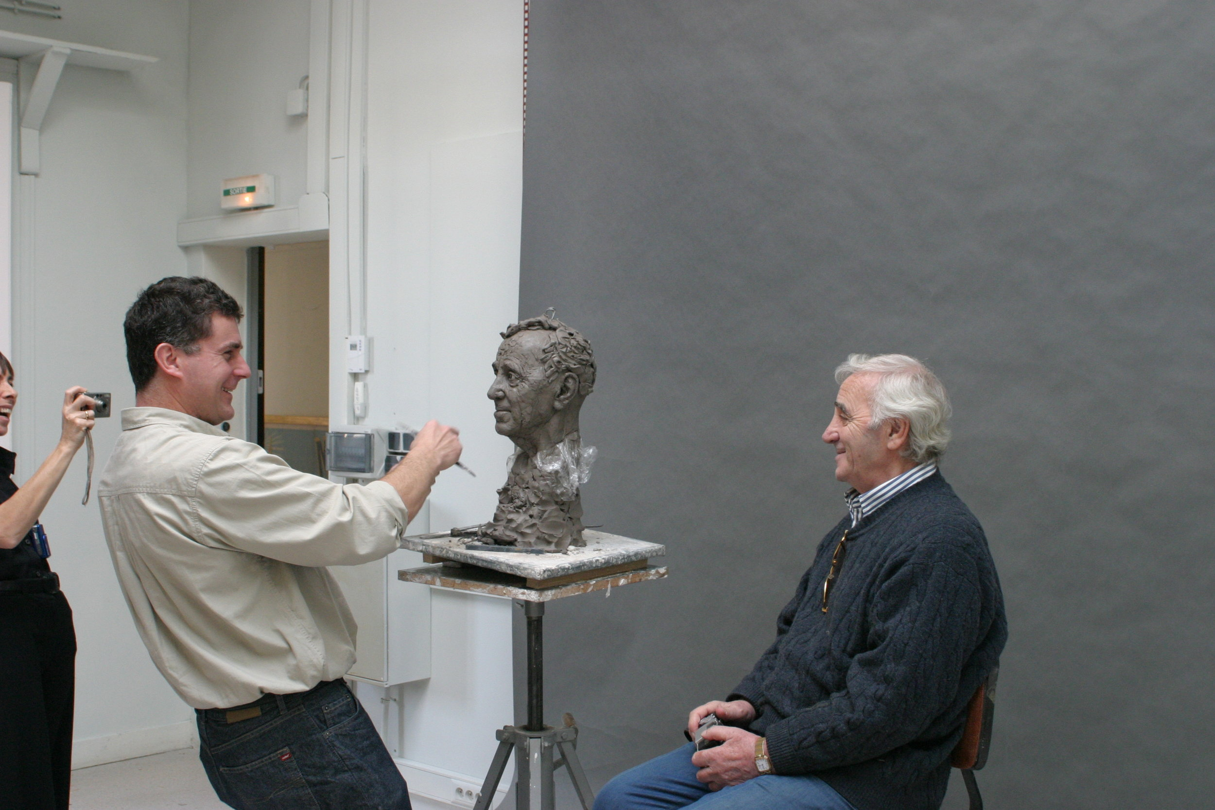 Charles Aznavour, the sculpture and the sculptor - Clay sculpture by Eric Saint Chaffray - Credit Musée Grévin