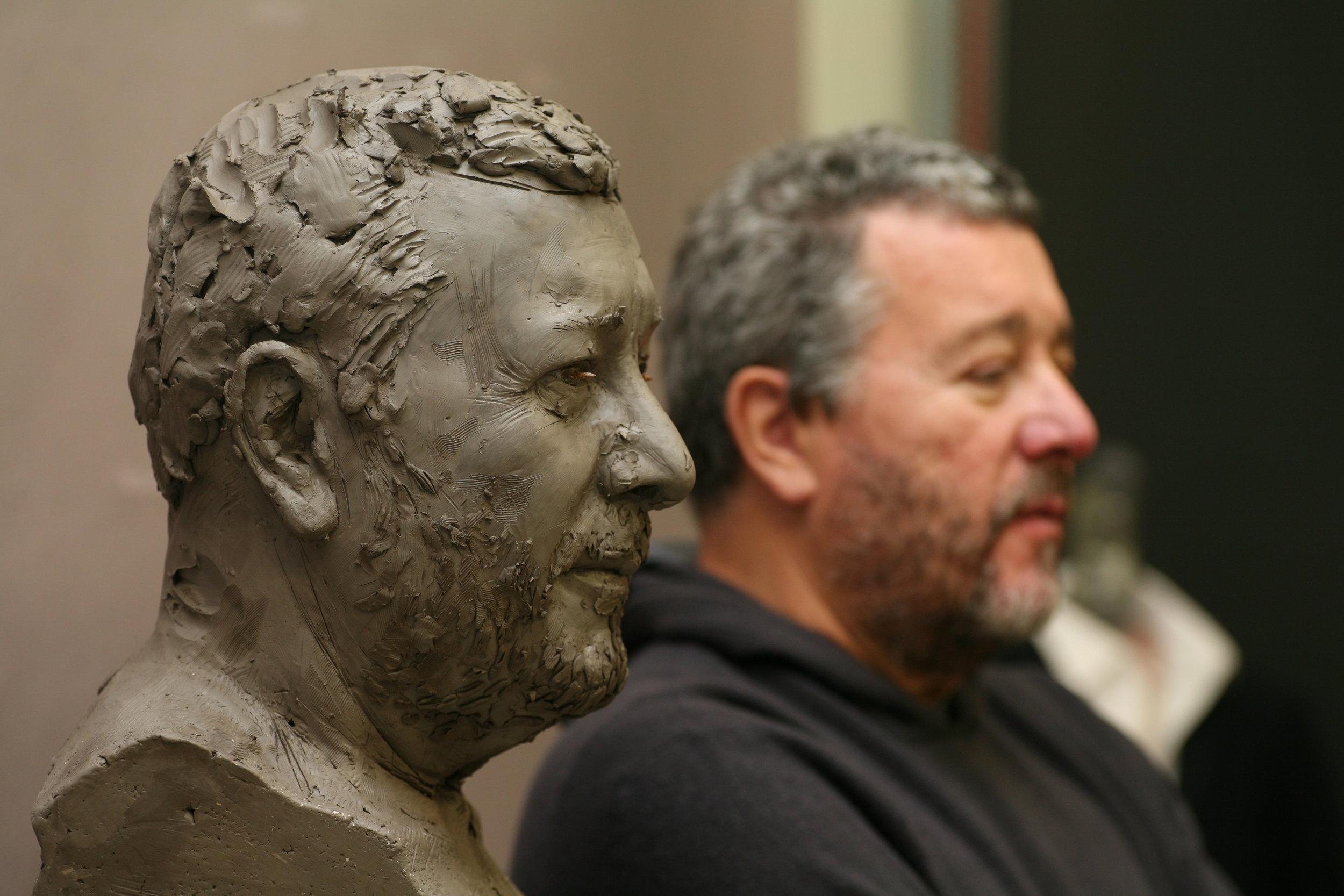 Philippe Starck et sa sculpture - Clay sculpture by Eric Saint Chaffray - Credit Musée Grévin